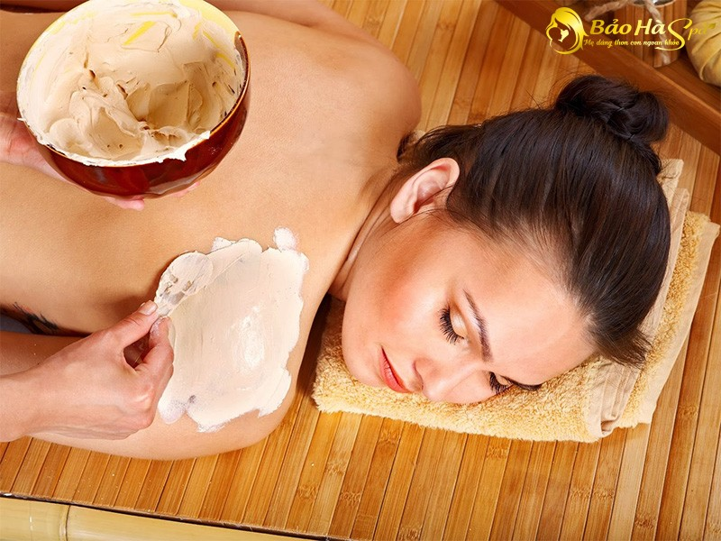 Cách làm trắng da sau sinh bằng cám gạo