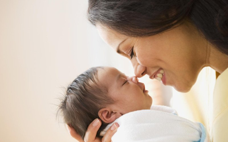 Chia sẻ cách chăm con sau sinh cho người mới mang thai lần đầu