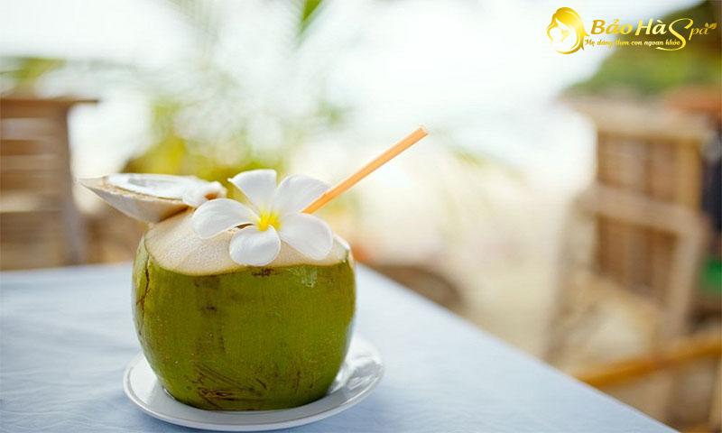 Mang thai có nên uống nước dừa? Lưu ý, giá trị dinh dưỡng và tác dụng