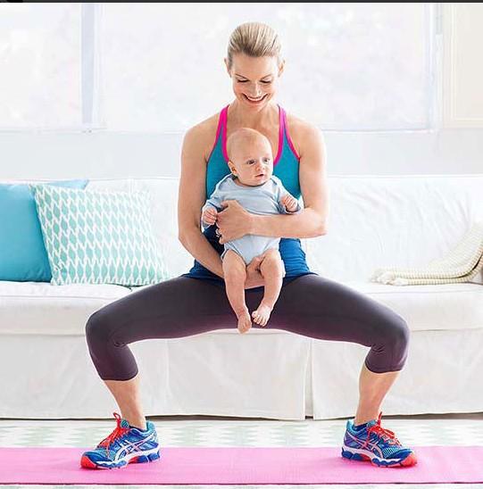 Phương pháp tập luyện mông đùi sau sinh cùng bé cho các mẹ